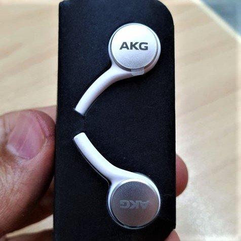 akg s10 -