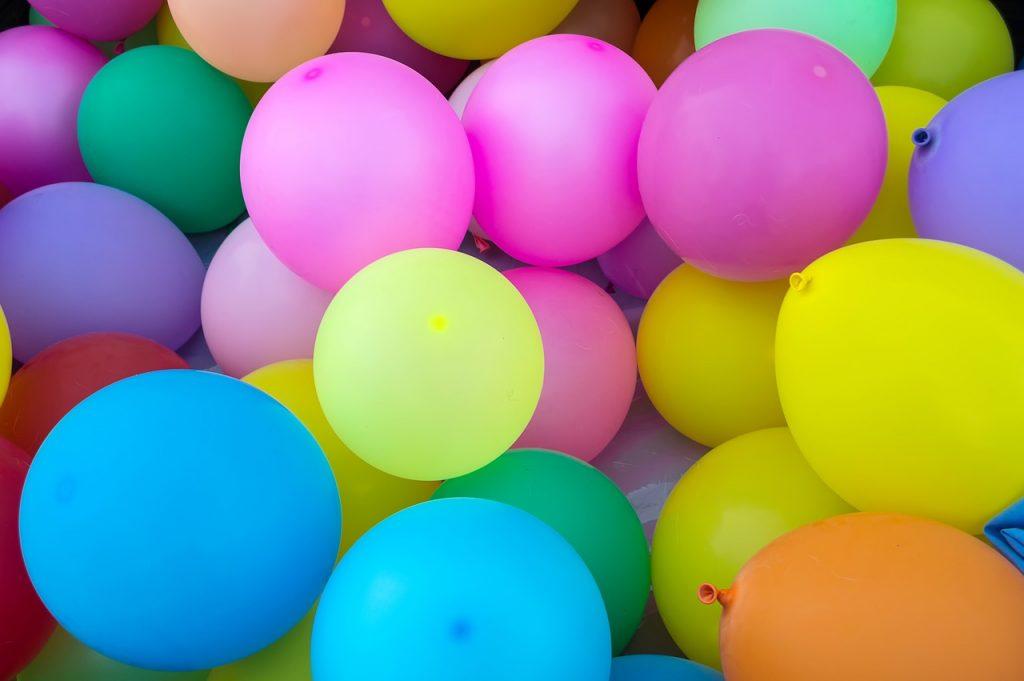 Balloons representing color depth