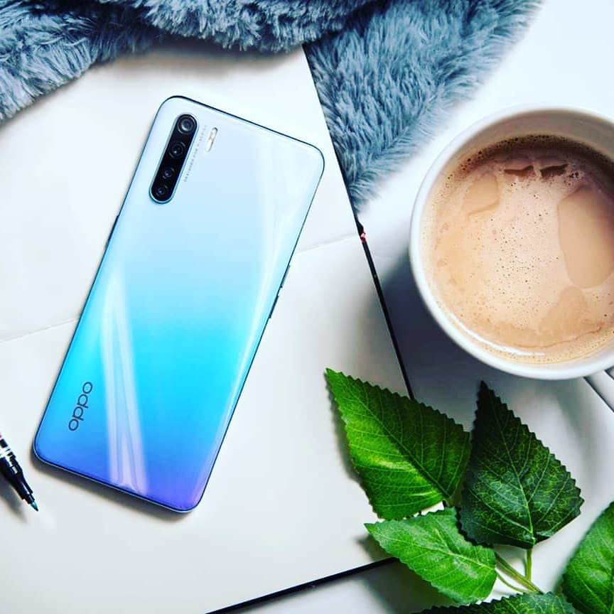 Oppo F15- best phones under 50000 PKR-whaddafudge