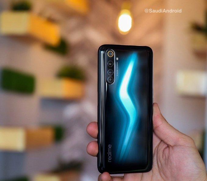 Realme 6 Pro, Whaddafudge-best phone in 50k pakistan