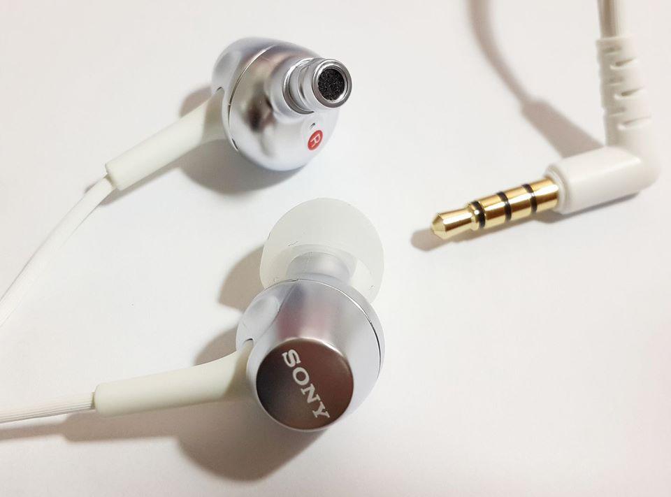 Sony MDR-EX255AP (5th best earphone in 5000 PKR)-whaddafudge
